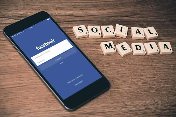 les réseaux sociaux pour améliorer le référencement local